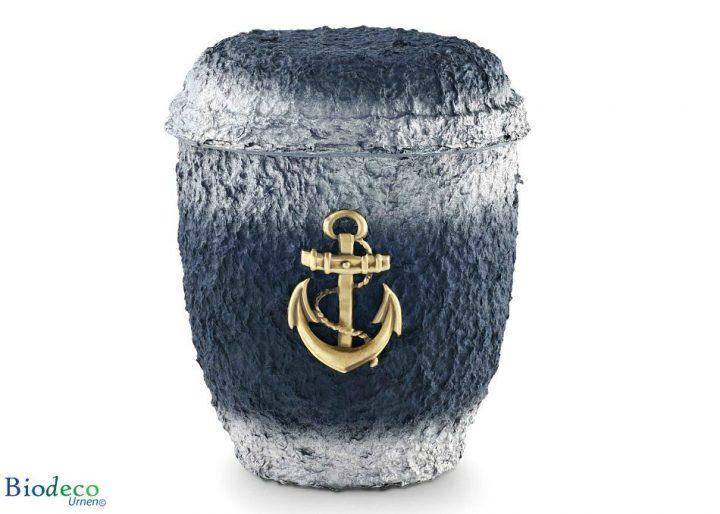 De biologisch afbreekbare zee-urn Messing Anker geproduceerd van cellulose, voor een asbijzetting op zee