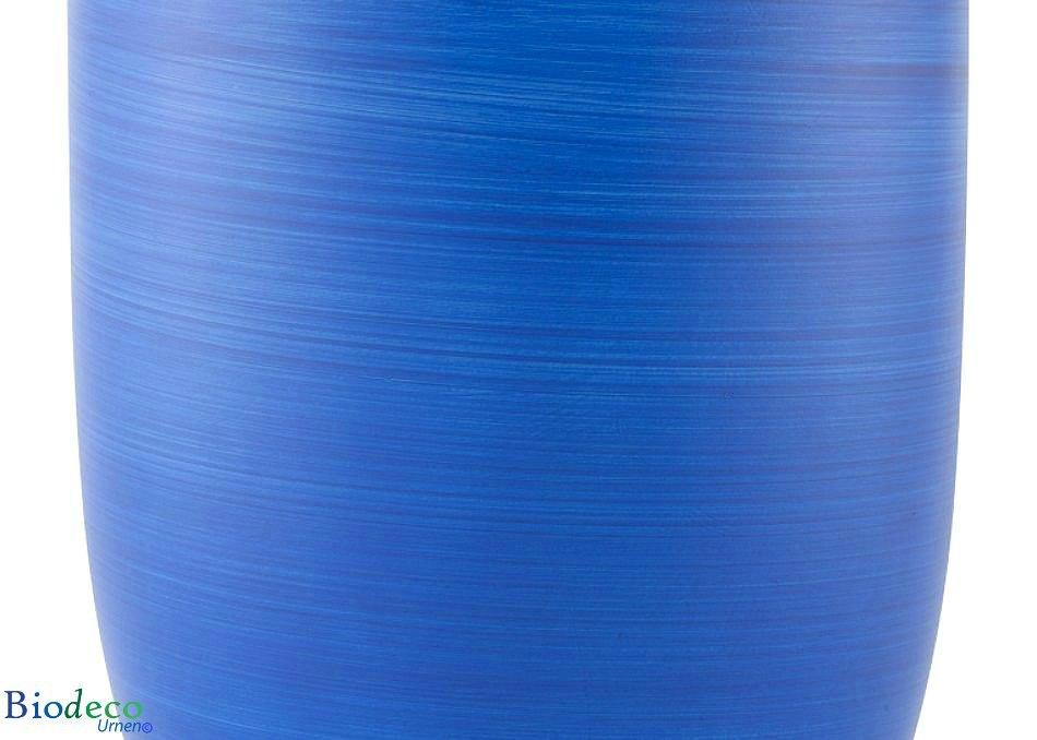 Detail van de biologisch afbreekbare zee-urn oceaanblauw, handmatig geairbrusht