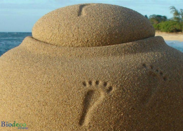 Zee-urn Ocean Sand footprints, biologisch afbreekbare urn in detail